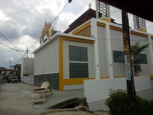 Foto : Bangunan Masjid sumbangan Bupati Kabupaten Tulang bawang, Ir.Hi. Hanan A. Rozak, di Bandarlampung, senilai Rp1 Miliar.