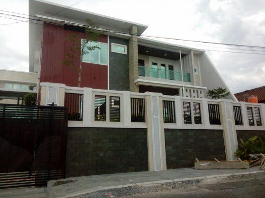 Foto : Rumah mewah Bupati Kabupaten Tulang bawang, Ir.Hi. Hanan A. Rozak, di Bandarlampung.